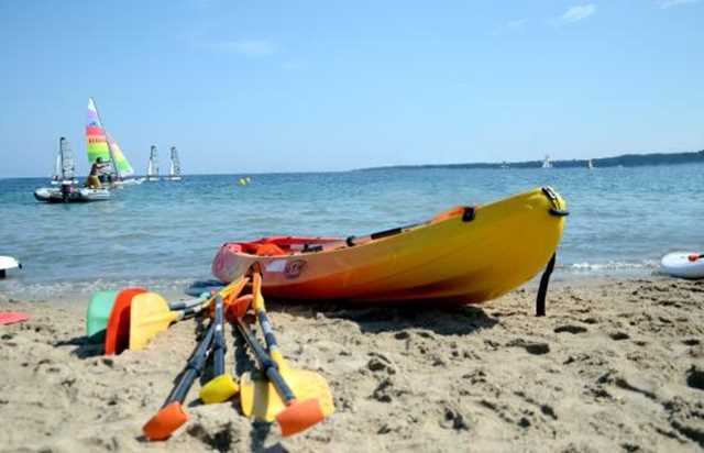 cannes jeunesse - kayak rental 3 people in cannes