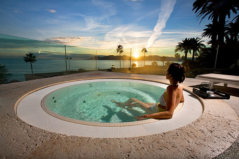 thermes marins cannes - wellness seawater spa experience 